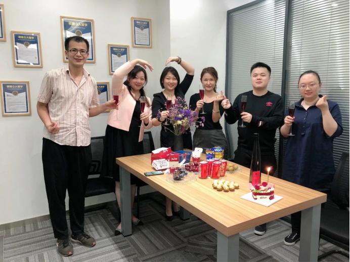 充满爱的520,明德立人上海美国留学团队成立一周年!